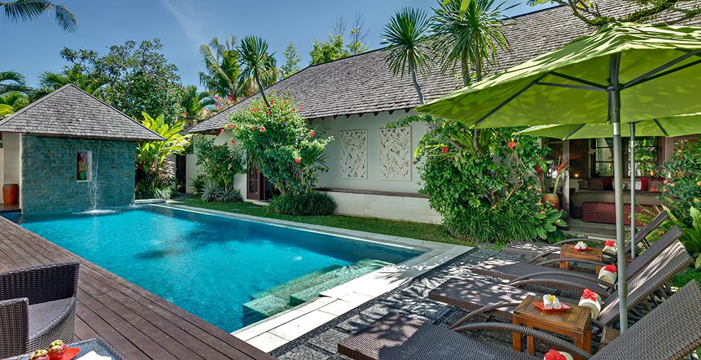 1. Villa Shinta Dewi - Poolside