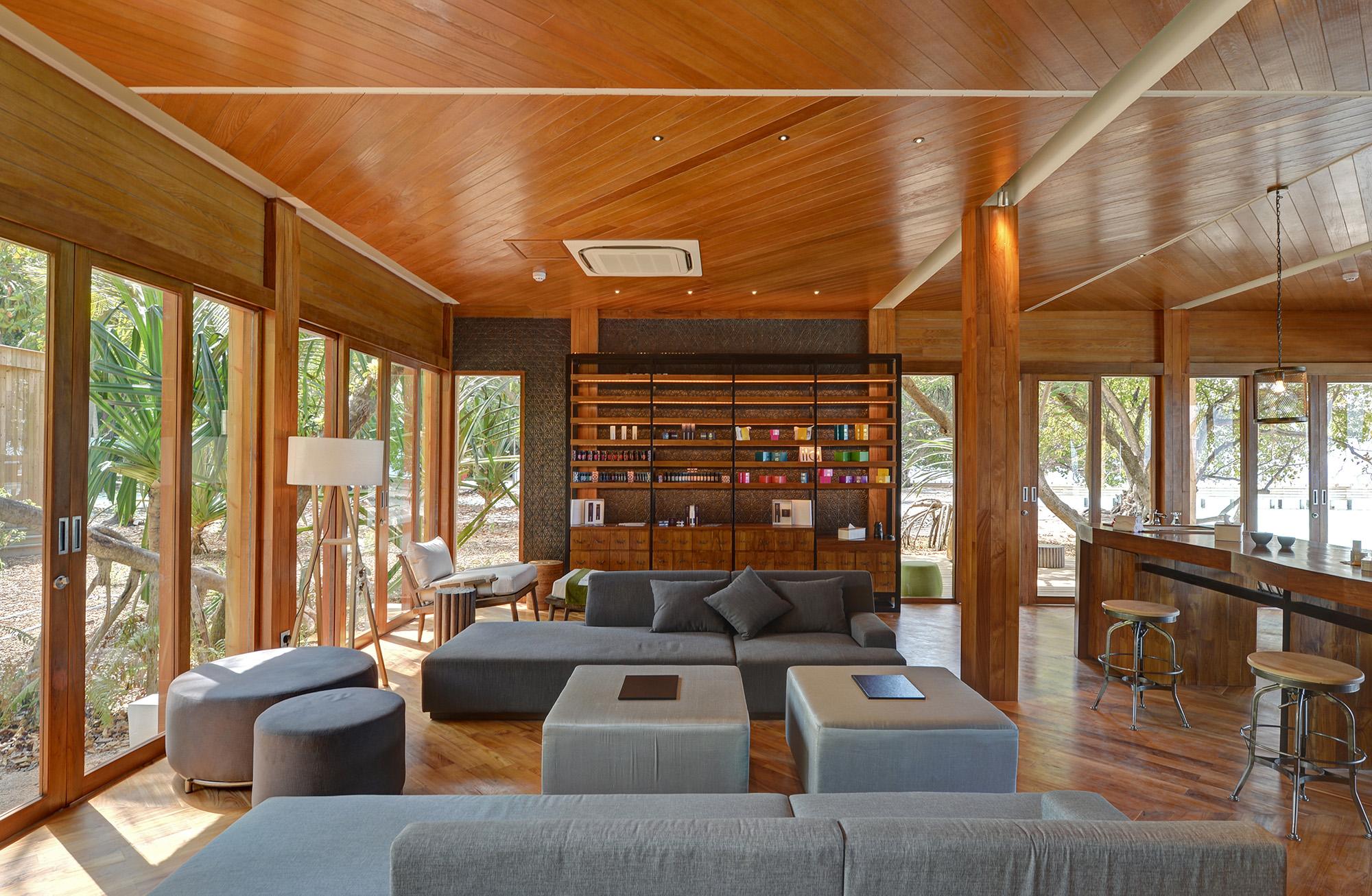 amilla-beach-villa-residences-javvu-spa-chic-waiting-area