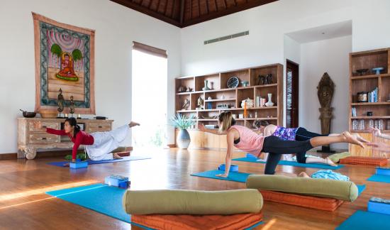 Villa Malaathina - Group yoga session