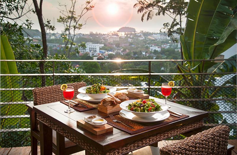 sunset-dining-at-santosa
