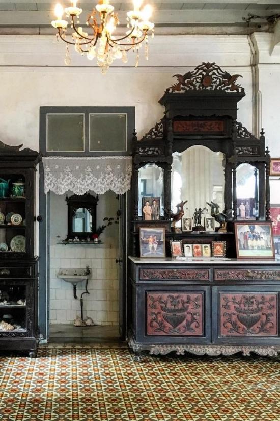 Baan Chinpracha Historic Thai Architecture by Jinjoo Shin