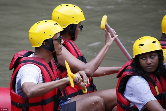 Obama rafting in Bali