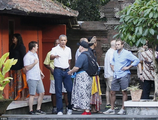 Barack Obama at Tirta Empul Bali Temple