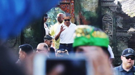 Obama at Bali Temple 2017