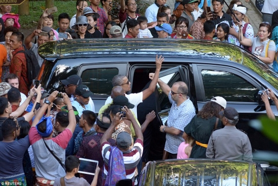 Obama leaving Bali