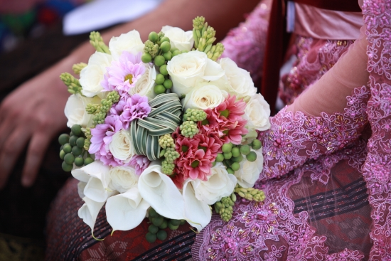 tropical flowers wedding bouqet