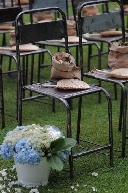 blue hydrangeas wedding decorations