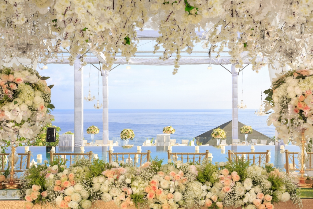 Clifftop wedding villa Bali