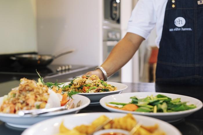 Thai food at Villa Akuvara