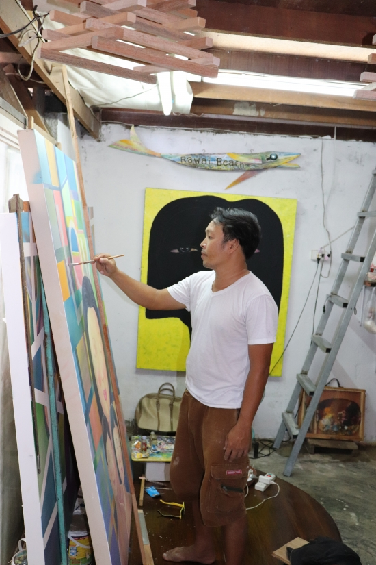painting at niran art gallery in phuket
