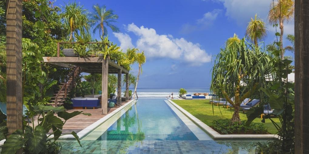 Noku Beach House - Stunning beachfront view