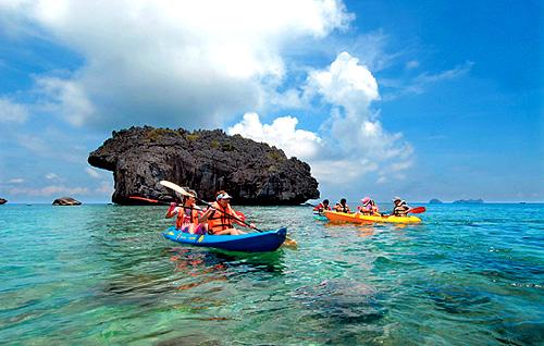 Kayak on Angthong National Marine Park
