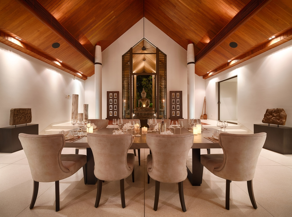 Villa Naam Sawan - Dining Room evening
