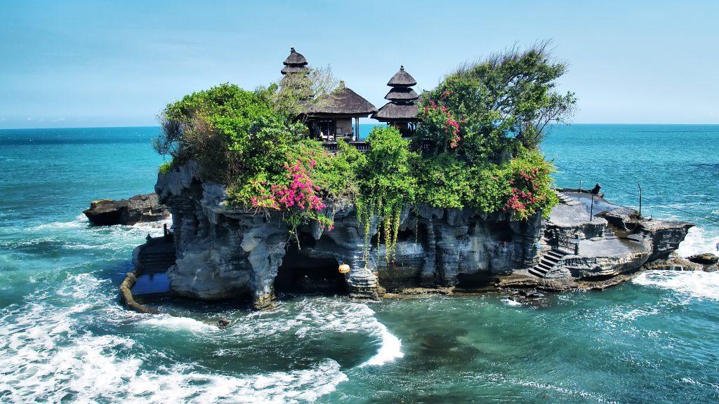 Tanah Lot Temple - Tabanan Bali