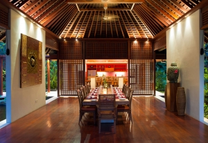 The Anandita - Dining room and kitchen