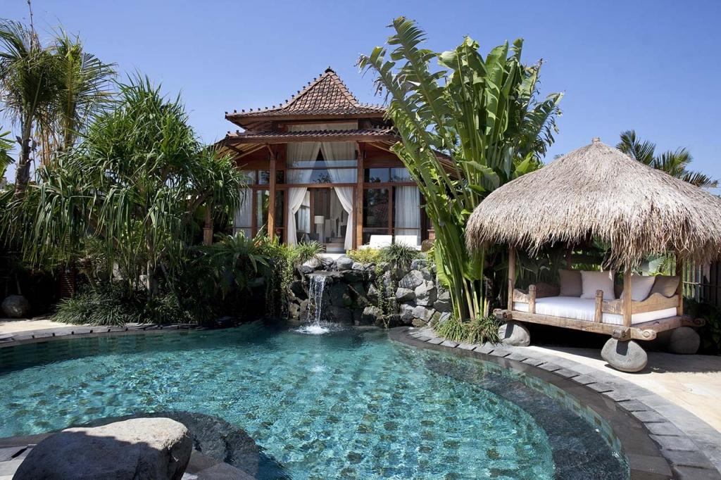 Villa Amy - The villa and pool
