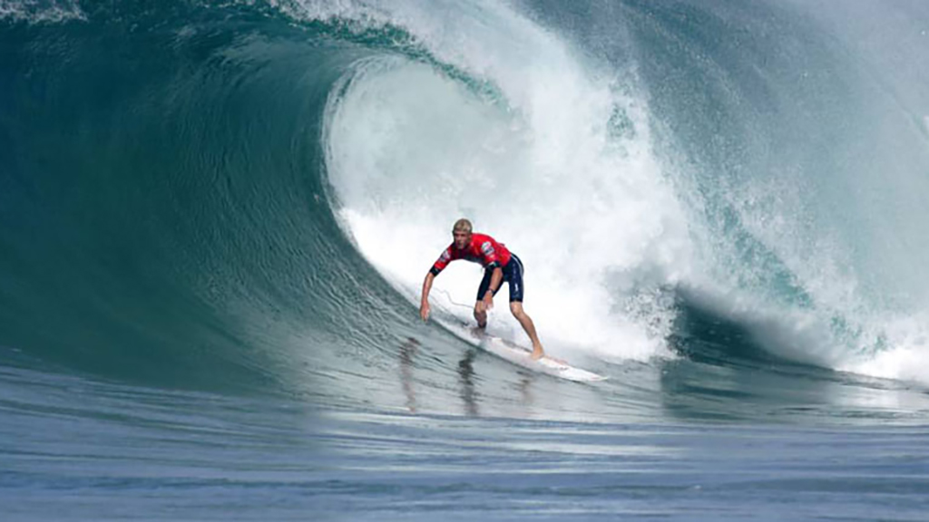 Surfing at Sri Lanka
